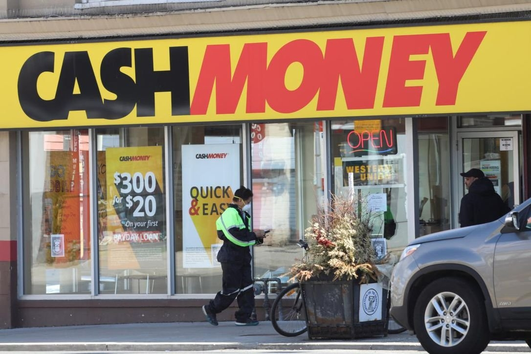 Government Must Pull 'big Levers' To Rein In Payday Lenders for Government Payday Photo