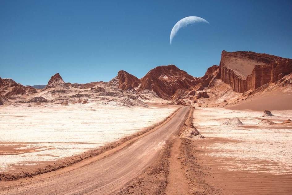 Valle De La Luna In The Atacama Desert, Chile | Insight throughout Foto De Lbluna Image