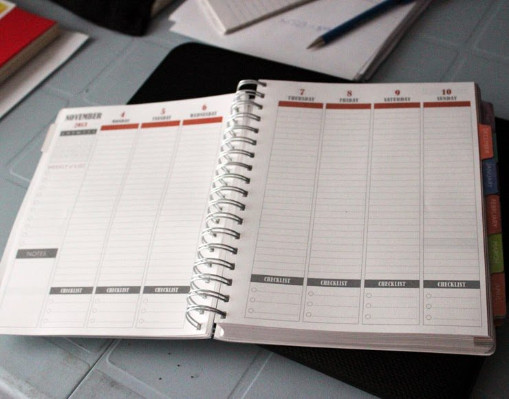 Starletta Designs: Plum Paper Designs - A Planner Review with Planner Paper For Students